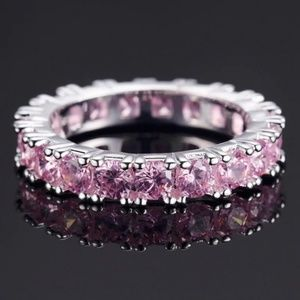 Jewelry - Luxury eternity ring size 6